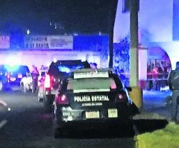 Hombre muere a manos de su compañero de parranda, frente a módulo policial en Edomex