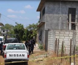Comando armando ejecuta a joven en el patio de una casa en Cuernavaca