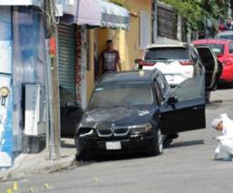 """Grupo armado """"sembró"""" pánico al prender fuego a dos camionetas, en Morelos"""