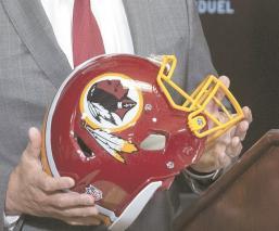 Ante el asesinato de George Floyd en EU, piden cambiar nombre de los Redskins por racismo