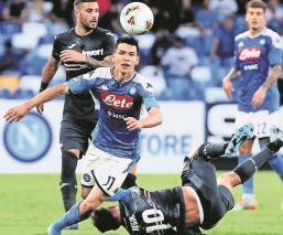 El Parma quiere al Chucky Lozano, el Nápoles podría venderlo antes de que se devalúe
