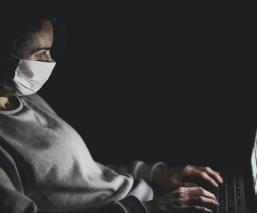 La OMS desmiente 10 mitos extremos que circulan en redes sobre el Covid-19