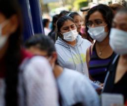 Pese a semáforo rojo por Covid-19, mexiquenses comienzan a retomar sus actividades