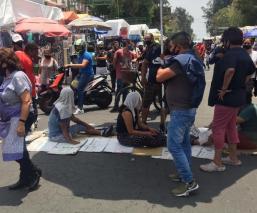 Comerciantes ambulantes de Tepito bloquearon vialidad una hora, exigen reinstalarse