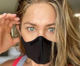 Jennifer Aniston publicó un contundente mensaje sobre el uso del cubrebocas