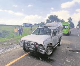 Un muerto y dos heridos fue el saldo de un accidente automovilístico en la Toluca-Atlacomulco