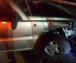 Conductor a exceso de velocidad vuelca su vehículo y provoca carambola, en Morelos