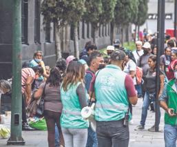 Locatarios del Centro Histórico de la CDMX siguen vendiendo, pese a restricciones