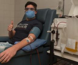 Joven argentino vence al Covid-19 y se vuelve donante de plasma