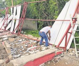 Colapsan gradas en deportivo tras fuerte lluvia en Morelos, obra costó dos millones