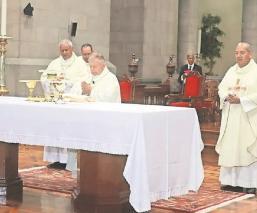 Iglesias en Toluca piden a feligreses que se mochen con las limosnas, para subsistir