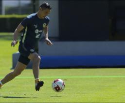 Aguilar durante el entrenamiento del América