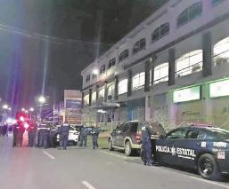 Rescatan a policías estatales que fueron detenidos por robo en el Edomex