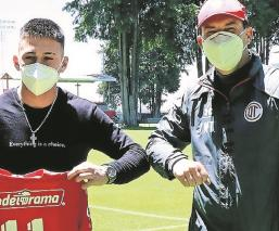 Toluca presentó al refuerzo uruguayo Pablo López, portará la playera número once