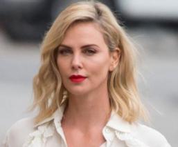 Charlize Theron sufre tras enterarse que será sustituida por otra actriz, en 'Mad Max'