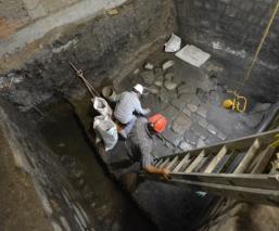 INAH encuentra vestigios del Palacio de Axayácatl bajo el Monte de Piedad de la CDMX