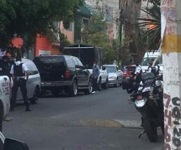 Muere manejando en Nezahualcóyotl y a manos de motosicarios