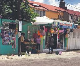 Tianguistas optan por ofrecer su mercancía en camionetas o afuera de sus casas, en Edomex