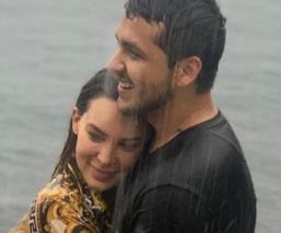 Con tierna foto en Instagram, Belinda y Christian Nodal confirman romance