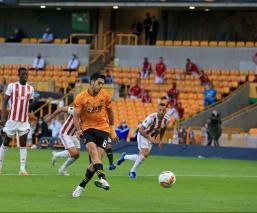Raúl Jimpenez hizo el gol que le dio el triunfo al Wolverhampton