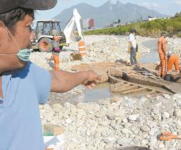 Buscaba chatarra, pero halló una estructura semienterrada de la Virgen en Monterrey