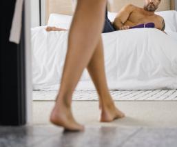 Mi esposa asegura que mi masturbación la ofende