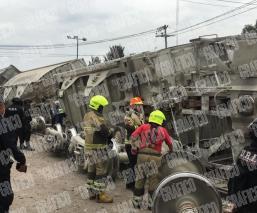 Descarrilamiento de cinco vagones de tren en Neza provocan movilización de emergencias