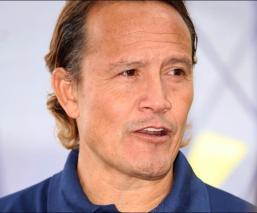 Luis Hernández ha demostrado que no olvida su época como futbolista