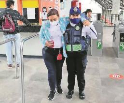 Mujer apuñalada en el Metro Plaza Aragón-Olímpica fue por riña, no por asalto