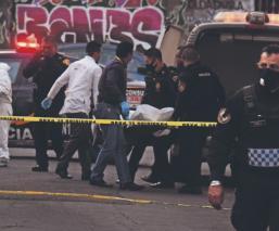Sicario balea 10 veces a su víctima y se va tranquilamente en calles de Tepito, CDMX