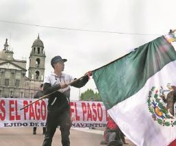 Ejidatarios exigen el pago de tierras que se usaron para tren Interurbano, en el Edomex