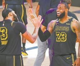 Lakers vencen a Nuggets con triple de Anthony Davis, es el nuevo héroe del equipo