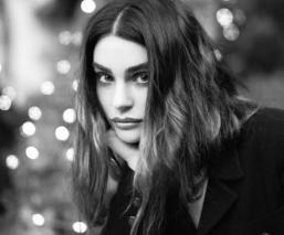 """Aimée Osbourne, hija de Ozzy anuncia el estreno de su álbum debut con su banda """"ARO"""""""