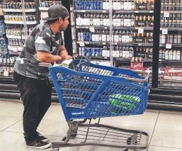 Depresión y ansiedad por el confinamiento disparan el consumo de alcohol, en CDMX
