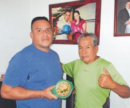 Everardo González, el entrenador de boxeo que se puso los guantes para noquear al Covid-19
