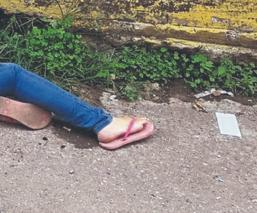 Jessica caminaban por la calle cuando fue asesinada a balazos desde una moto, en Morelos