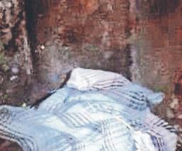 Hallan cadáver de un hombre encobijado y con huellas de violencia, en Morelos