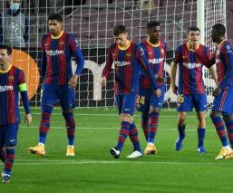 El Barcelona goleó al Ferencváros en el debut de Koeman en Champions League