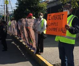 Exempleados de Interjet exigen su indemnización afuera de las oficinas del Aeropuerto CDMX