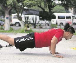 Gustavo perdió la pierna en un asalto en Iztapalapa, ahora sueña con ser atleta paraolímpico
