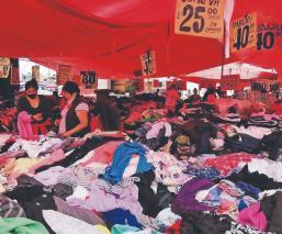 Comerciantes y tianguistas de Iztapalapa tendrán que hacerse la prueba Covid a fuerza