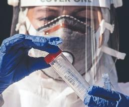 Estudio revela que vacuna de AstraZeneca y Oxford causa fuerte respuesta contra el Covid