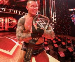 Randy Orton derrotó en Hell In A Cell a Drew McIntyre y es nuevo campeón de WWE