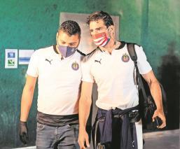 Briseño y Zaldivar confirman en redes su contagio de Covid-19 y su ausencia en Chivas