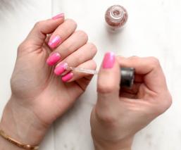 Todo lo que revelan de ti tus uñas