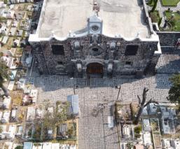 Mantienen viva la tradición en San Andrés Mixquic, pese a cancelación del Día de Muertos