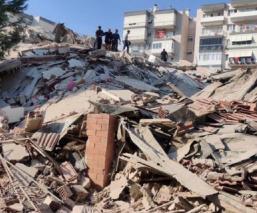 Terremoto de magnitud 7 sacude Grecia y Turquía, hay también alerta de tsunami