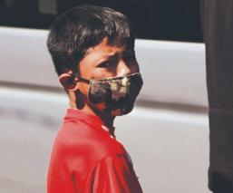 Niños y jóvenes que quedaron huérfanos por la pandemia ya recibieron su beca, en la CDMX