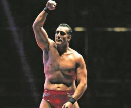 Exnovia del luchador Alberto del Río retira cargos de secuestro, se disculpa en Instagram