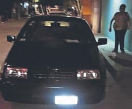 Hallan cadáver baleado de un hombre dentro de un auto en Morelos, su mamá lo identifica